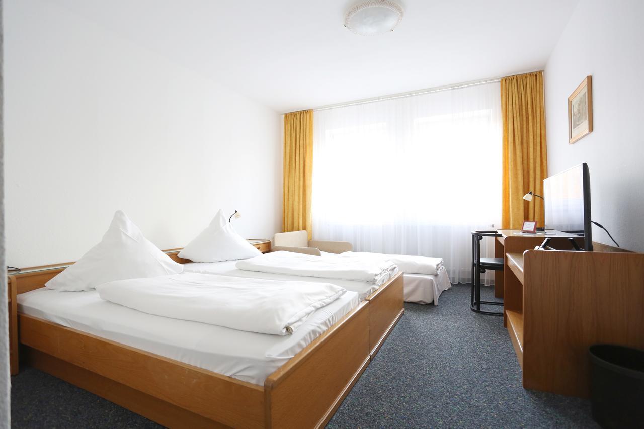 Bambusgarten Frisch Hotel Römerstadt Gersthofen Germany Booking