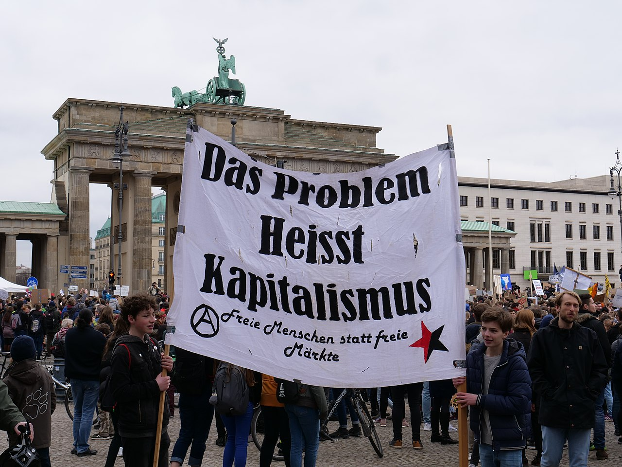 1280px End of the FridaysForFuture demonstration Berlin 29 03 2019 01