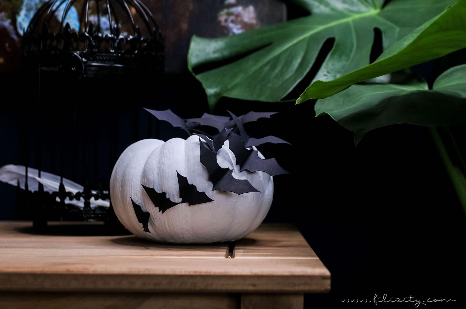diy halloween deko selber machen kuerbisse mit fledermaeusen