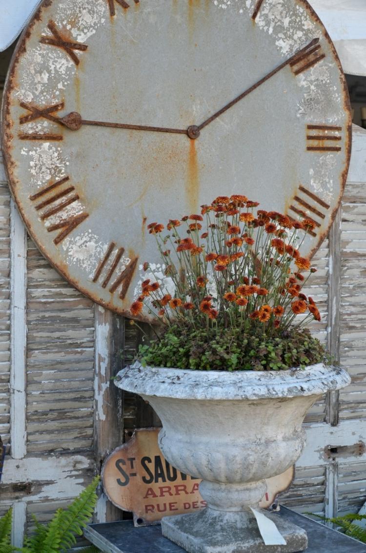 gartendeko aus rost uhr idee dekoration zeigen römische zahlen