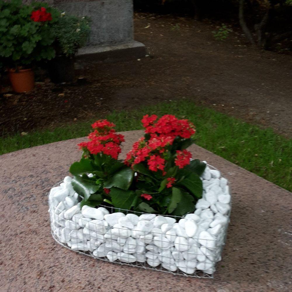 Deko Ideen Mit Steinen Im Garten Best Of Herzgitter Mit Kies Friedhof Grabschmuck Grabgesteck Grab