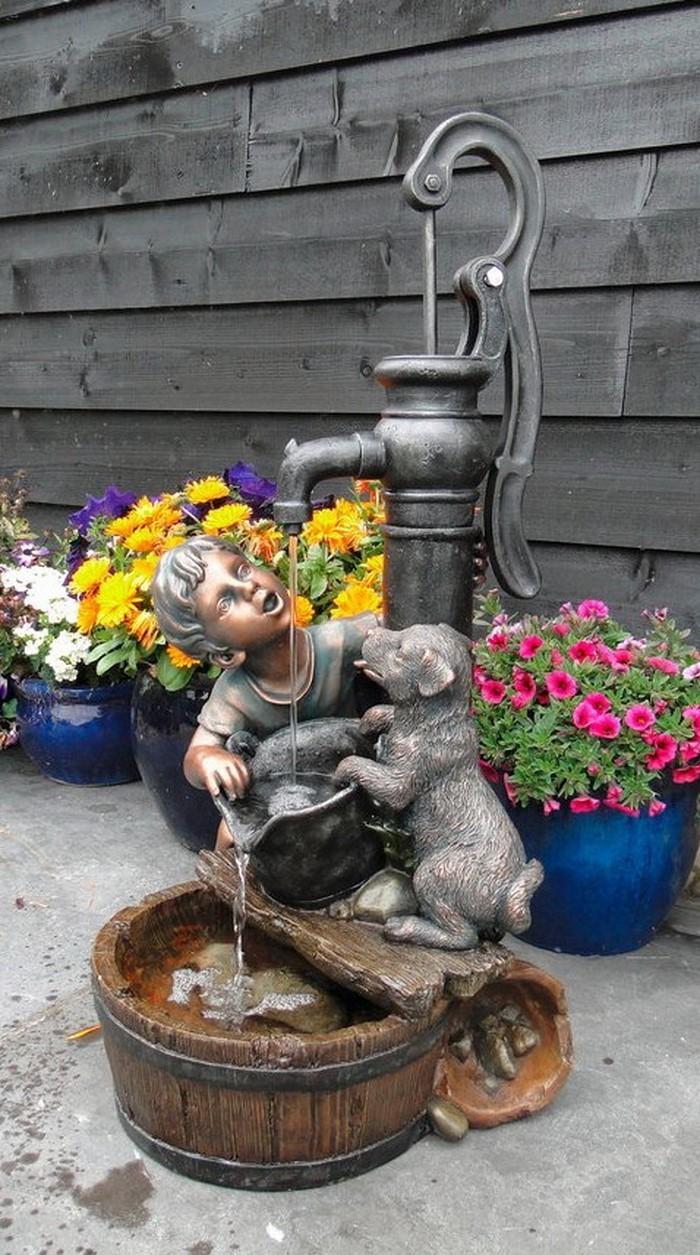 Springbrunnen im Garten Eine kreative Gestaltung