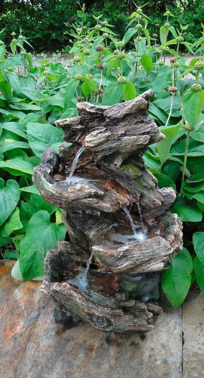 Springbrunnen im Garten Ein auff C3 A4lliges Design