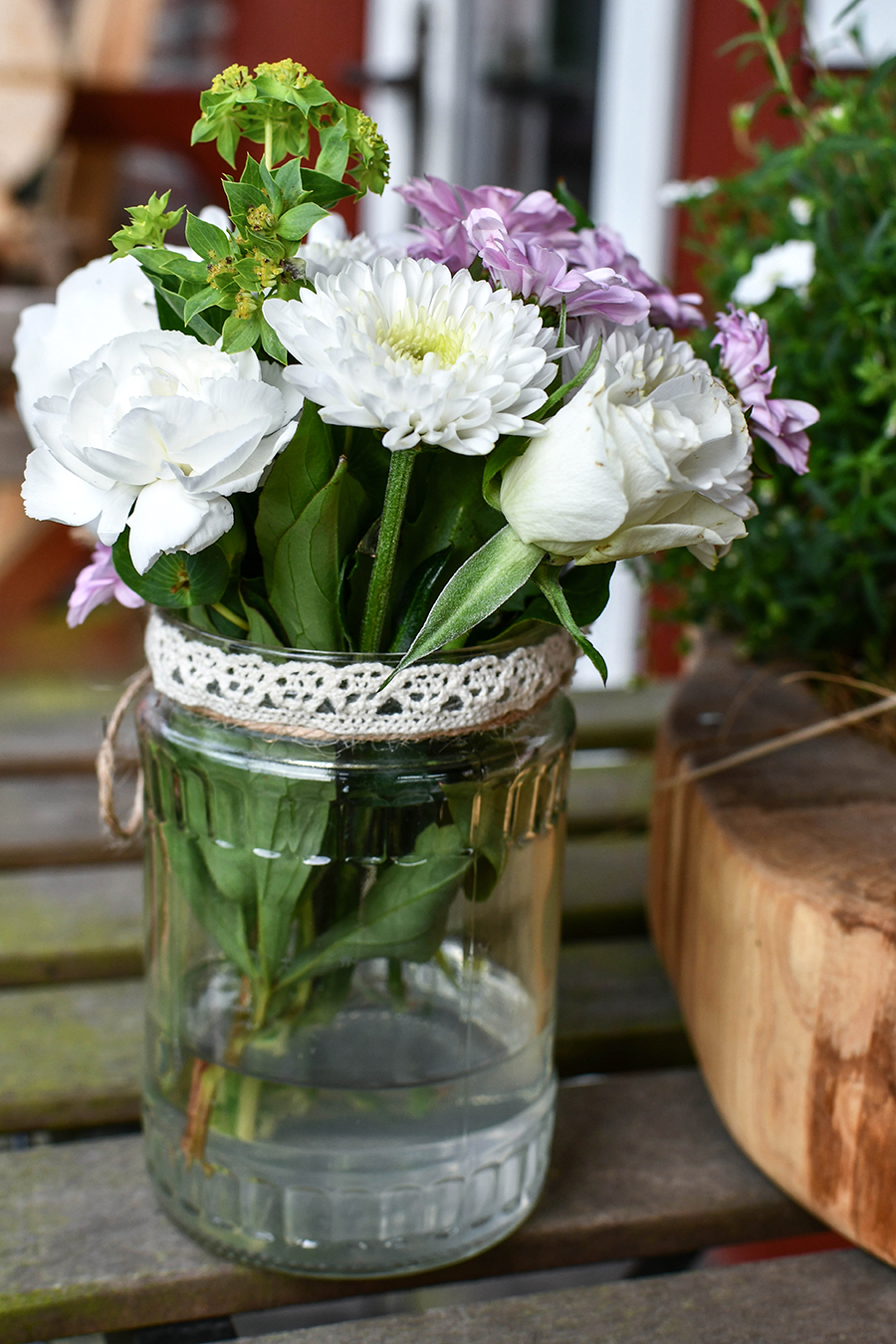 DIY fuer den Garten Natuerliche Tischdekoration selbstgemacht