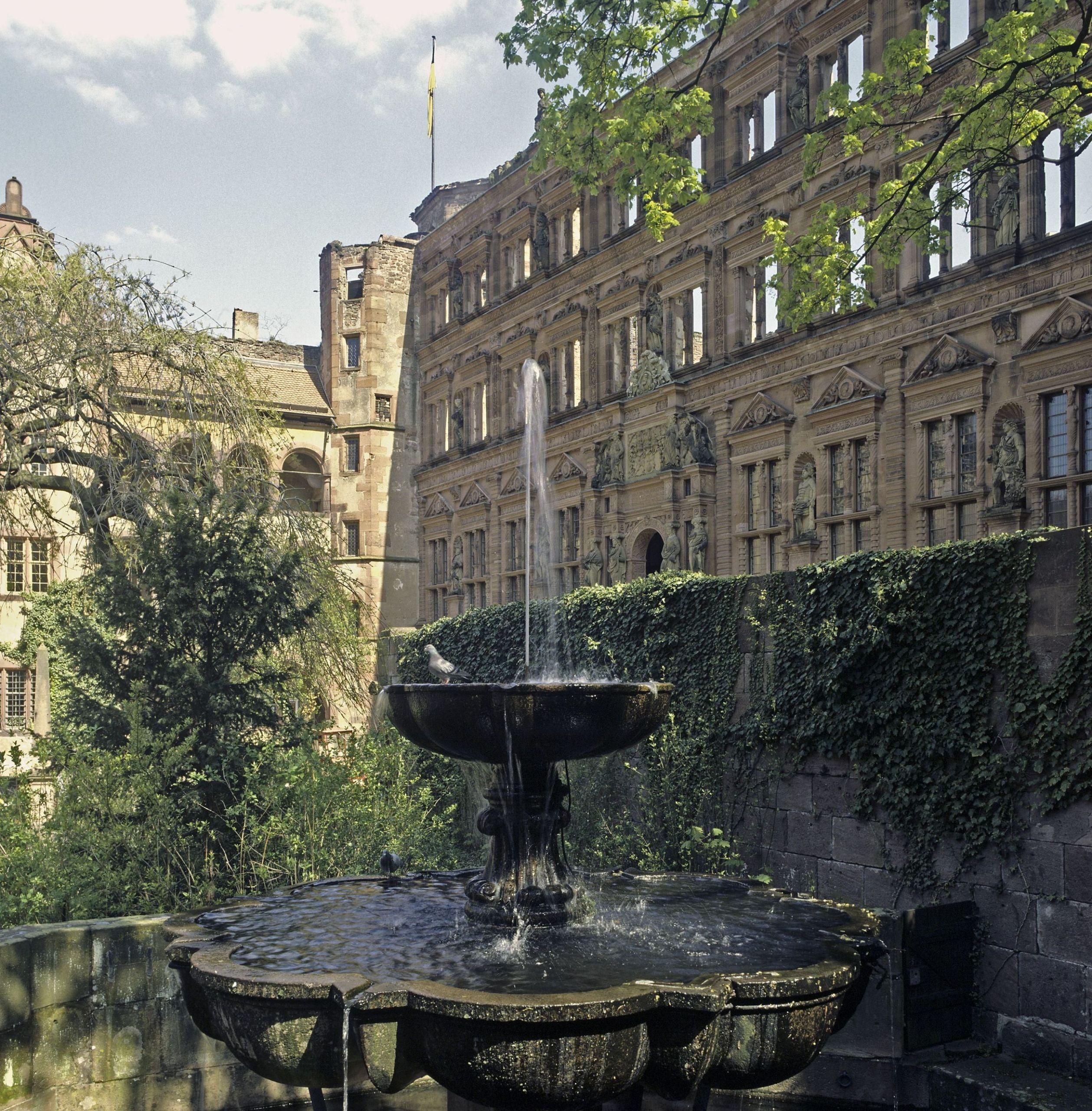 17 Heidelberg Schloss Heidelberg schlosshof LMZ ssg pressebild