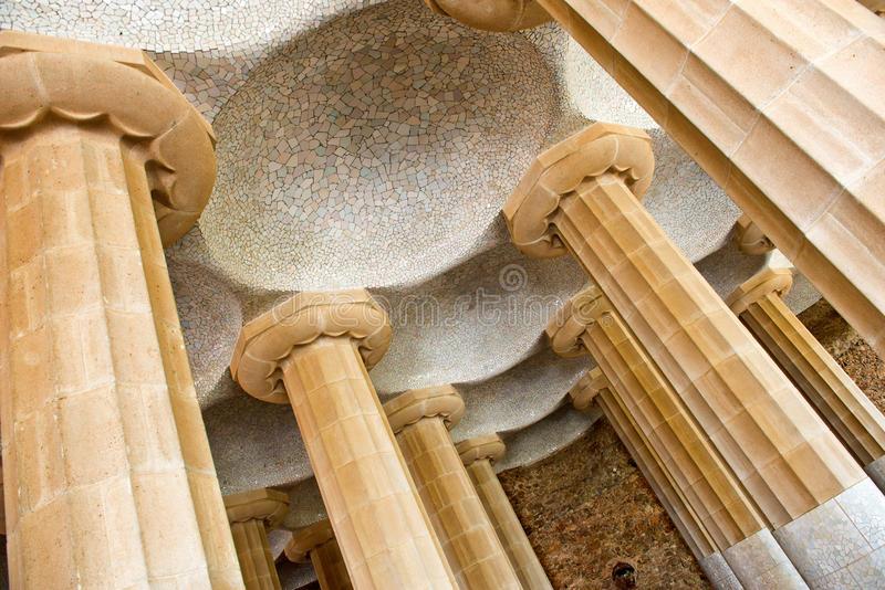 库存照片 sala hipã stila, parc gã 侧房的专栏在 塞罗那 image