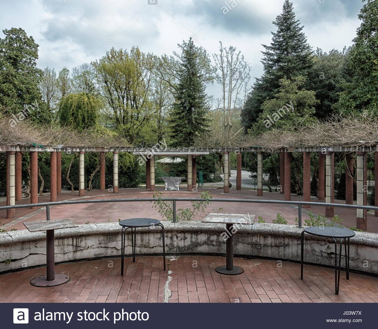 garden in art deco style period of last century called roaring twenties J03W7X