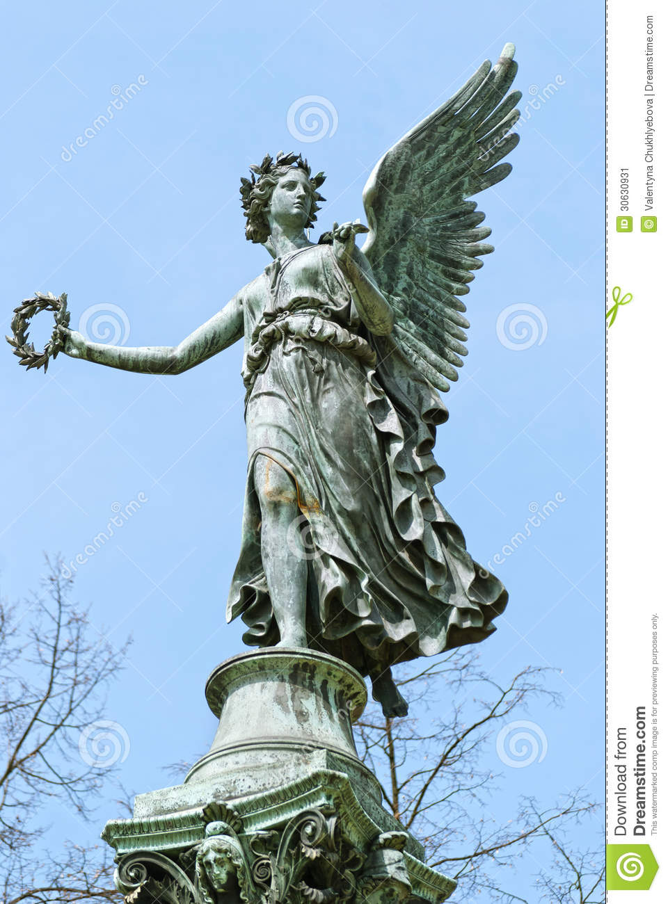 statue od angel charlottenburg palace garden berlin