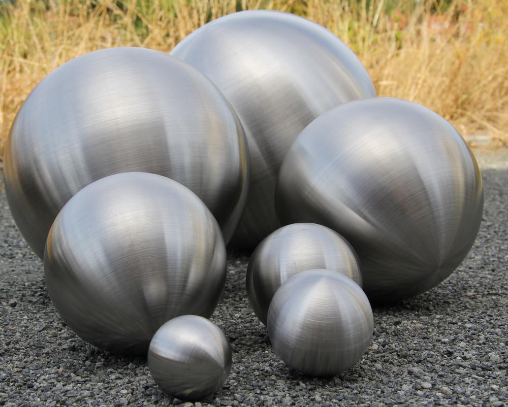 Dekokugel Edelstahl matt Schwimmkugel stilvolle Wohndeko Gartendeko Teichdeko