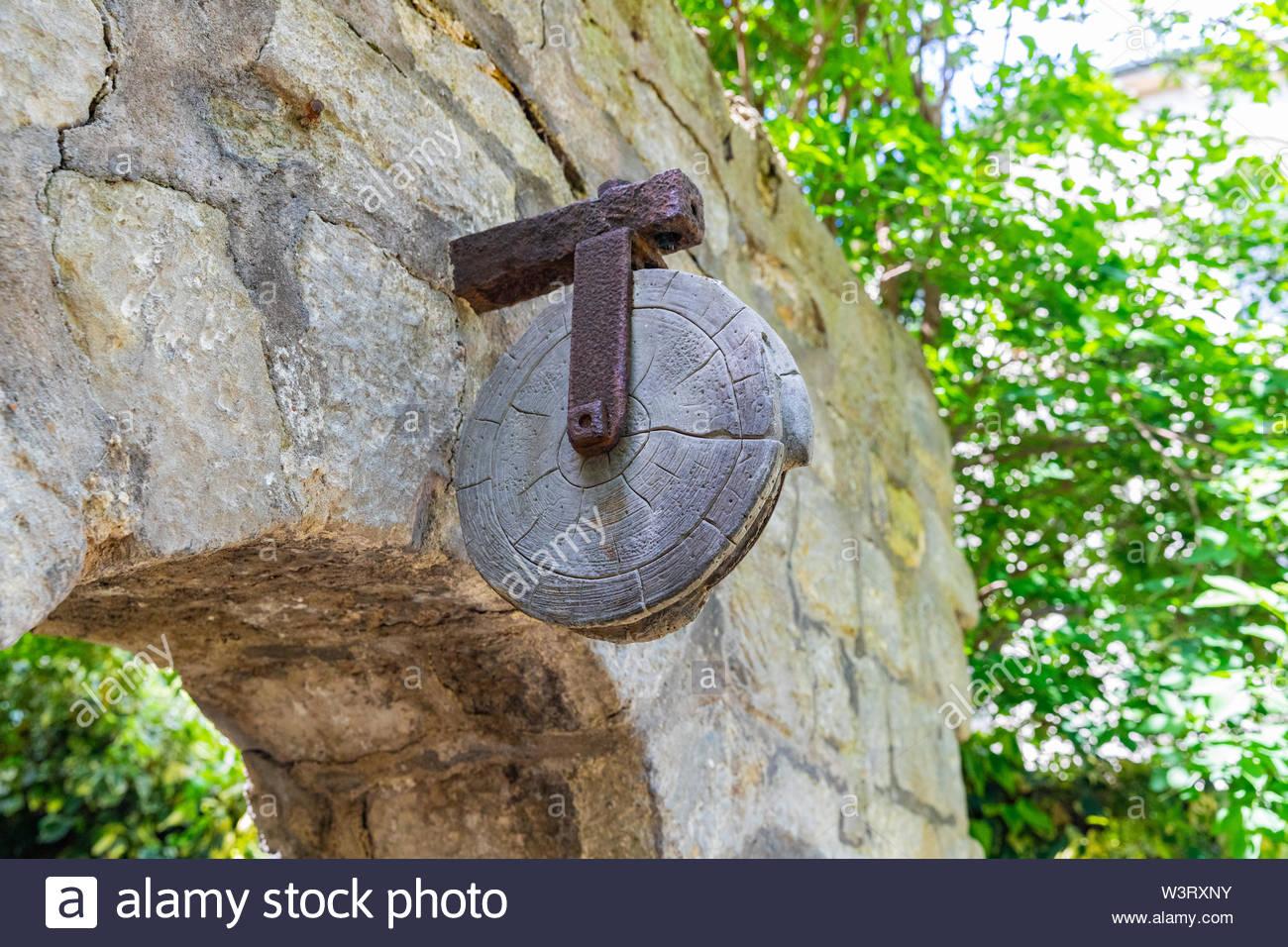 paris frankreich glise saint julien le pauvre kirche garten gut rad w3rxny