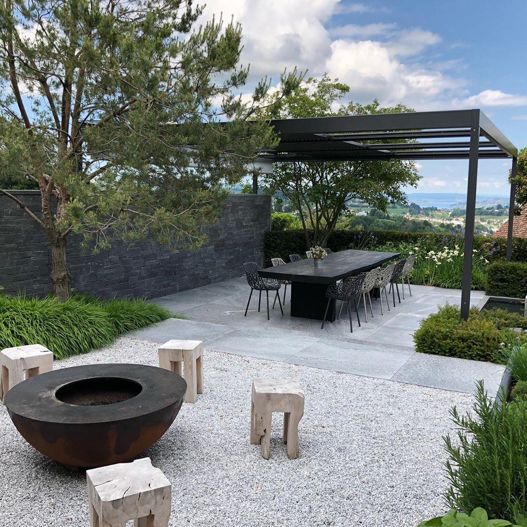 Gartendesigner Schön Terrace In Polished Concrete with Clipped Osmanthus