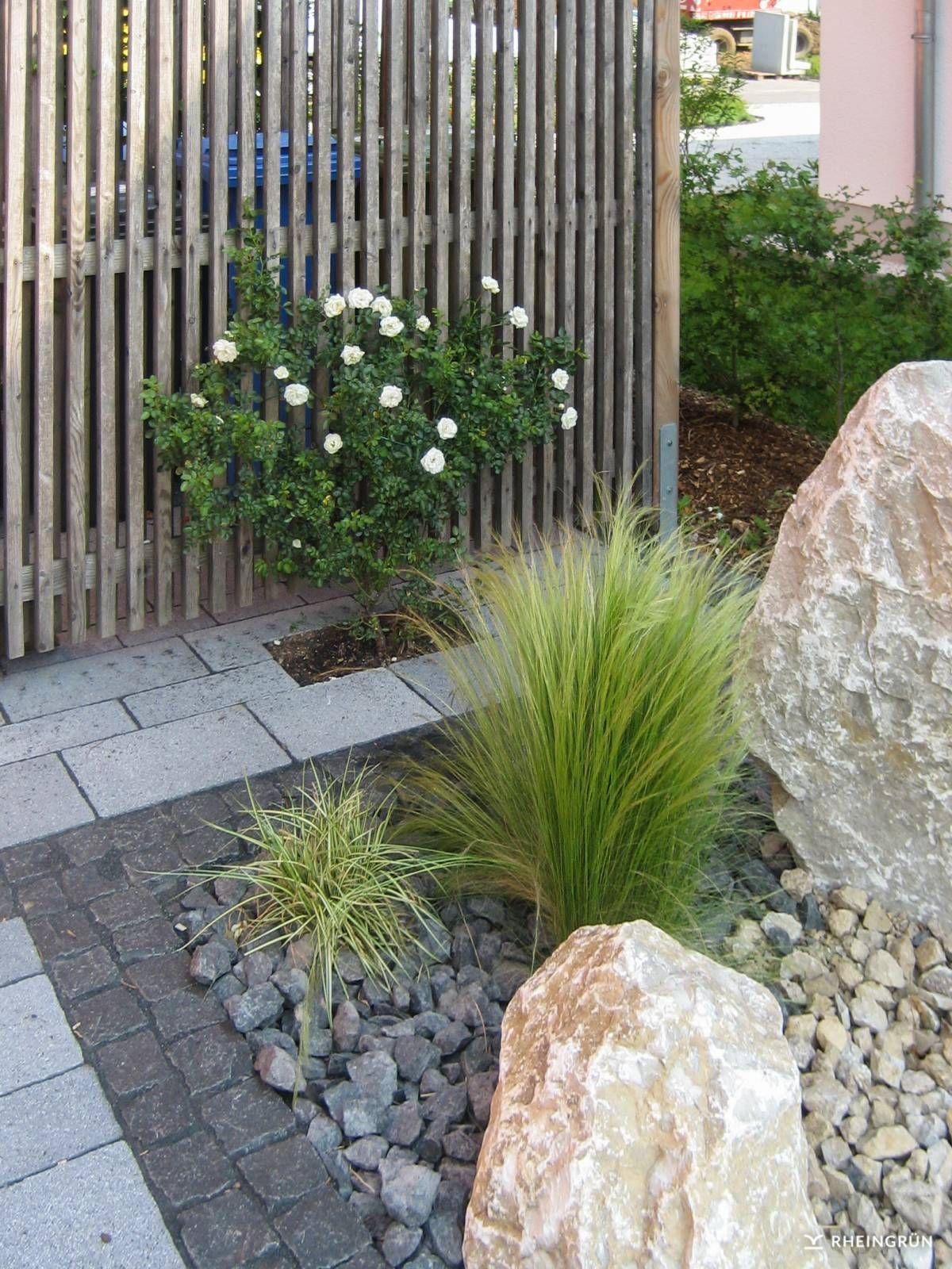Gartengestaltung Mit Kies Bilder Einzigartig Pflegeleichter Vorgarten Mit Großen Steinen Und Gräsern