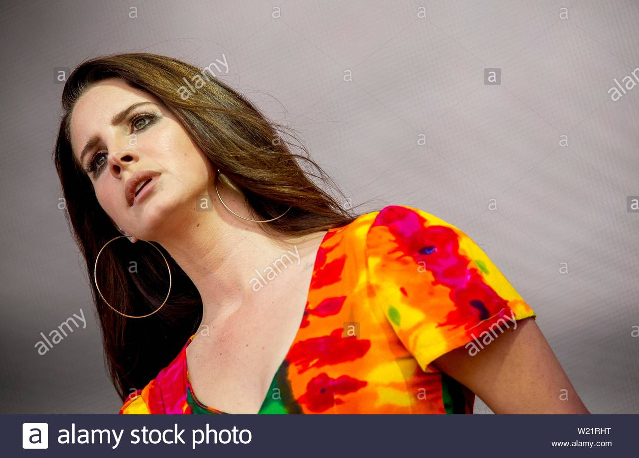 lana del rey performs on the pyramid stage on the saturday of glastonbury festival in pilton somerset W21RHT