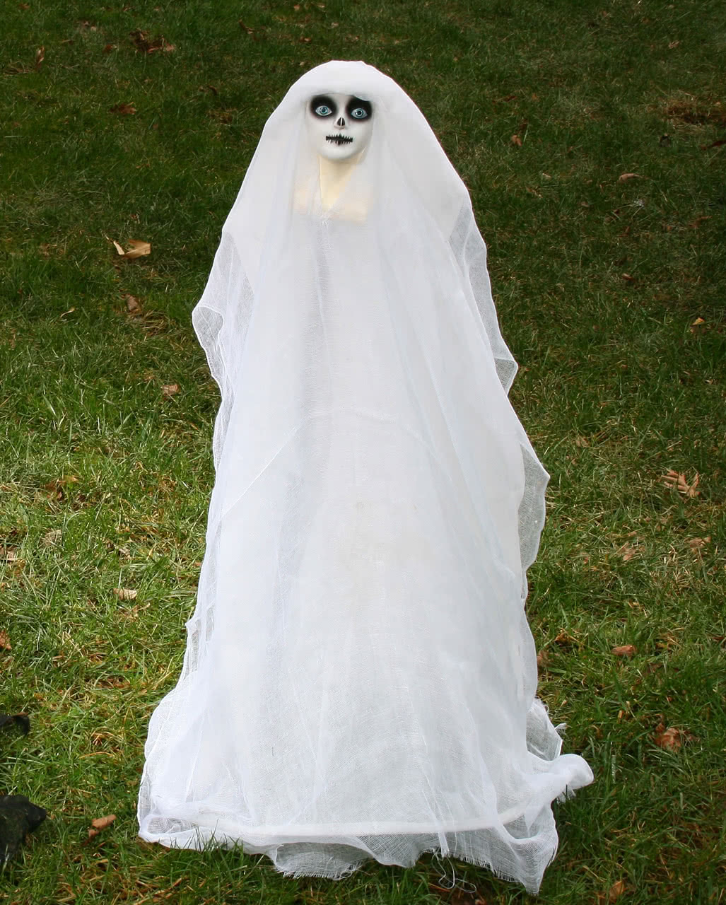 Halloween Kostüm Geisterbraut Einzigartig Geisterbraut Gartengeist Als Halloween Deko