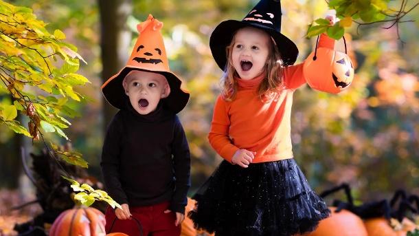 halloween kleine kinder kann man ruhig verkleiden