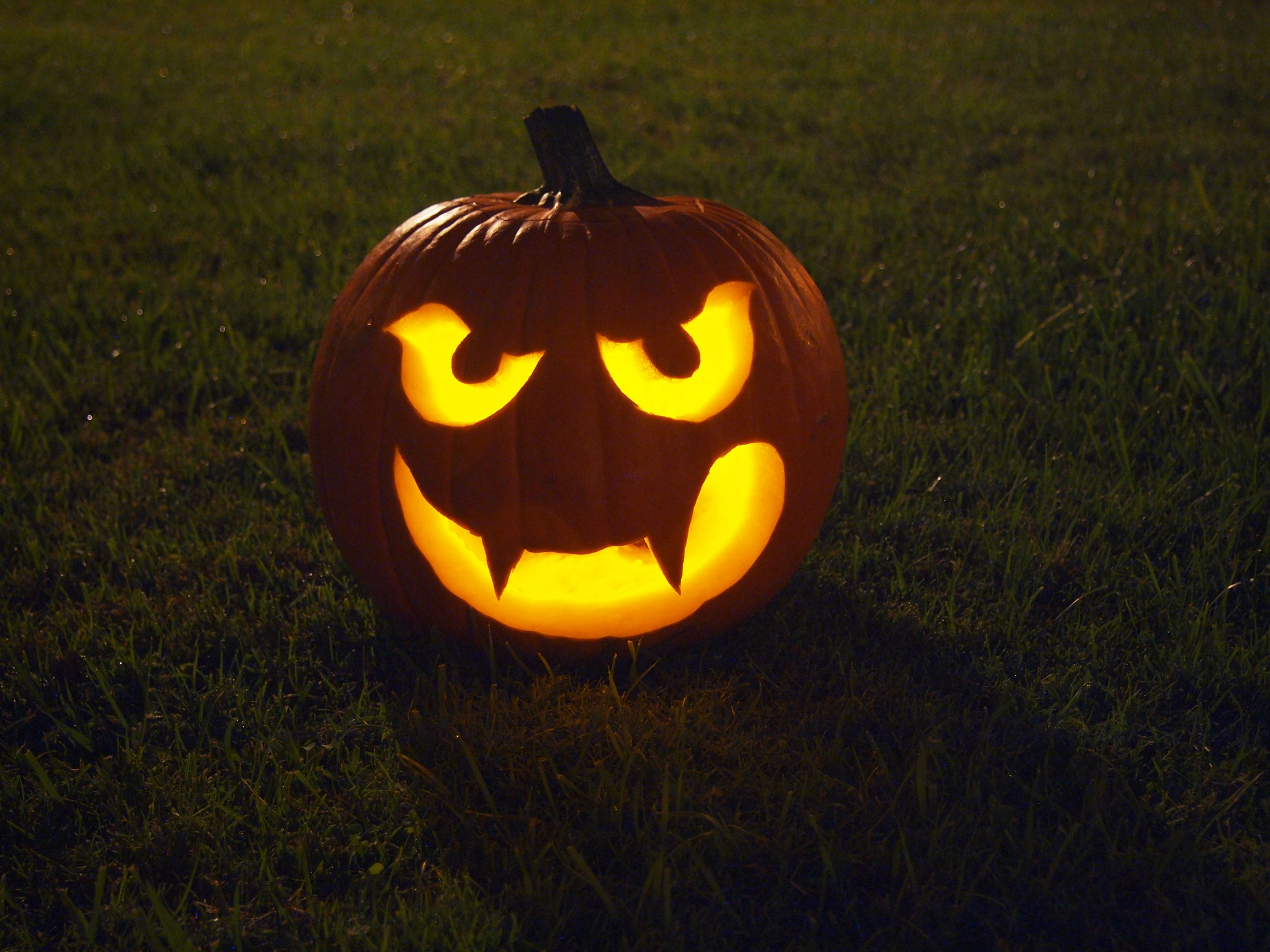 Make a Halloween Pumpkin Step 9