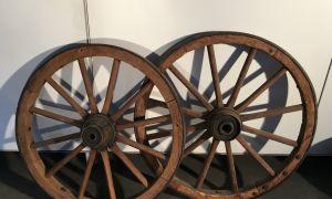 23 Genial Holzwagenräder