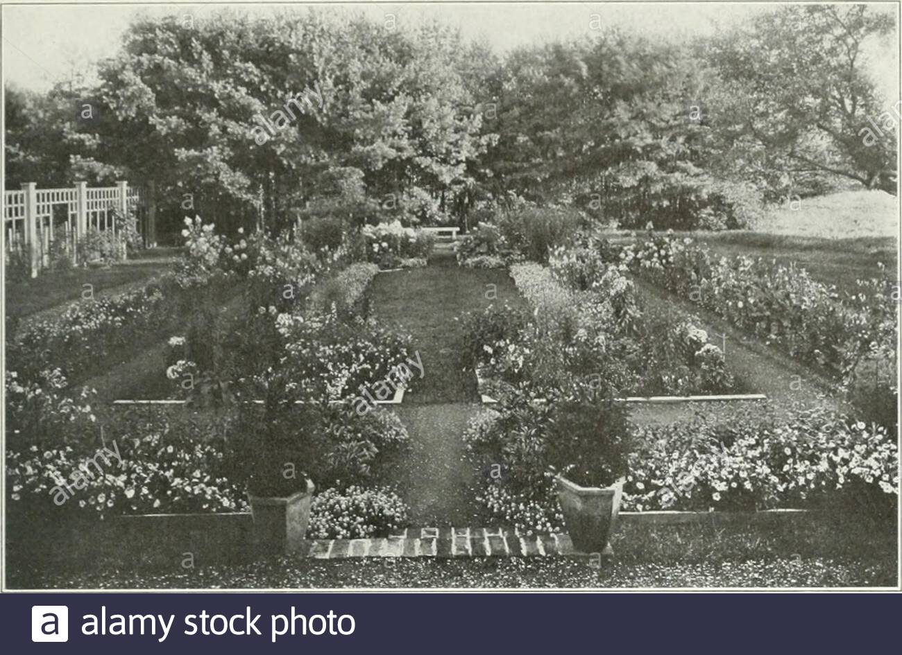 beautiful gardens in america from a photograph by jessie tarbox beals cornish n h stephen parrish esq fron d photograph by jcnic tarhgt bca cornish n h mrs william h hyde 2AJ0KW0