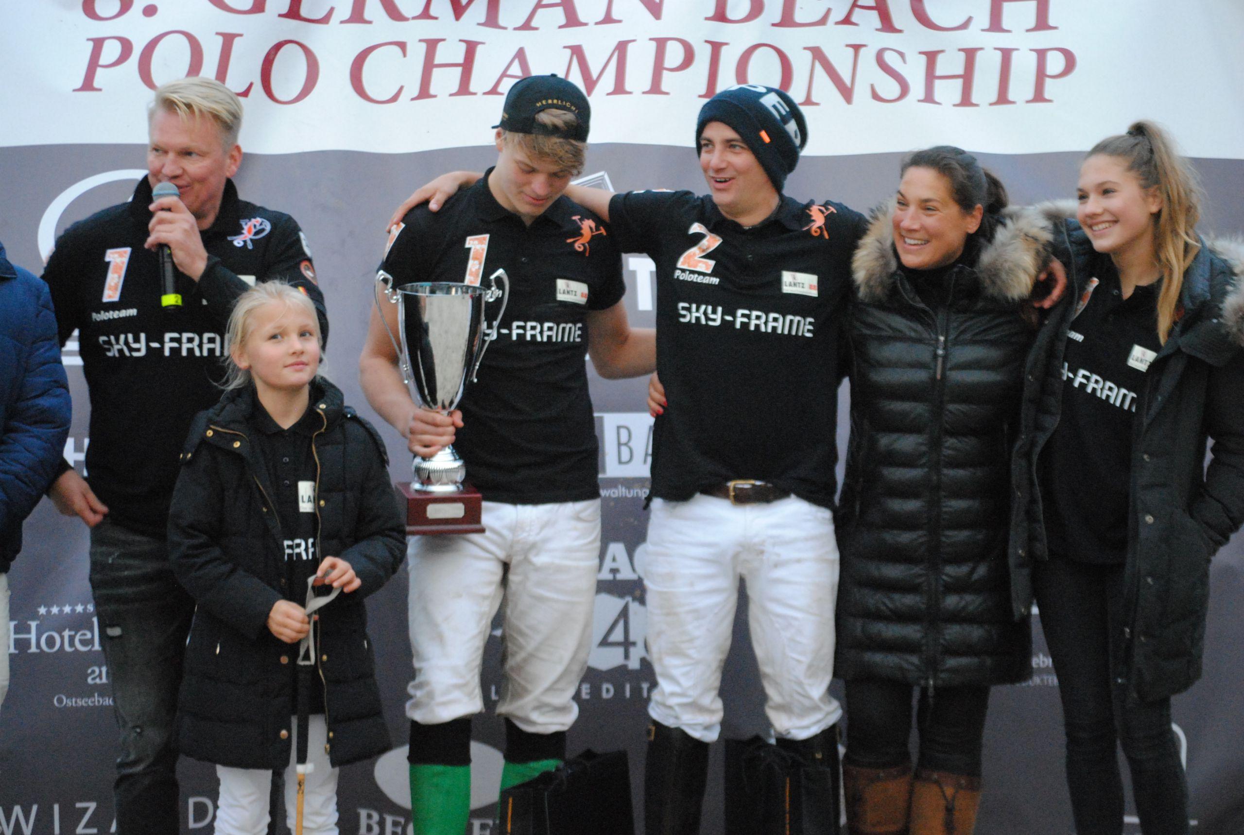 Siegerteam Enno Grams links und Patrick Maleitzke rechts JPG