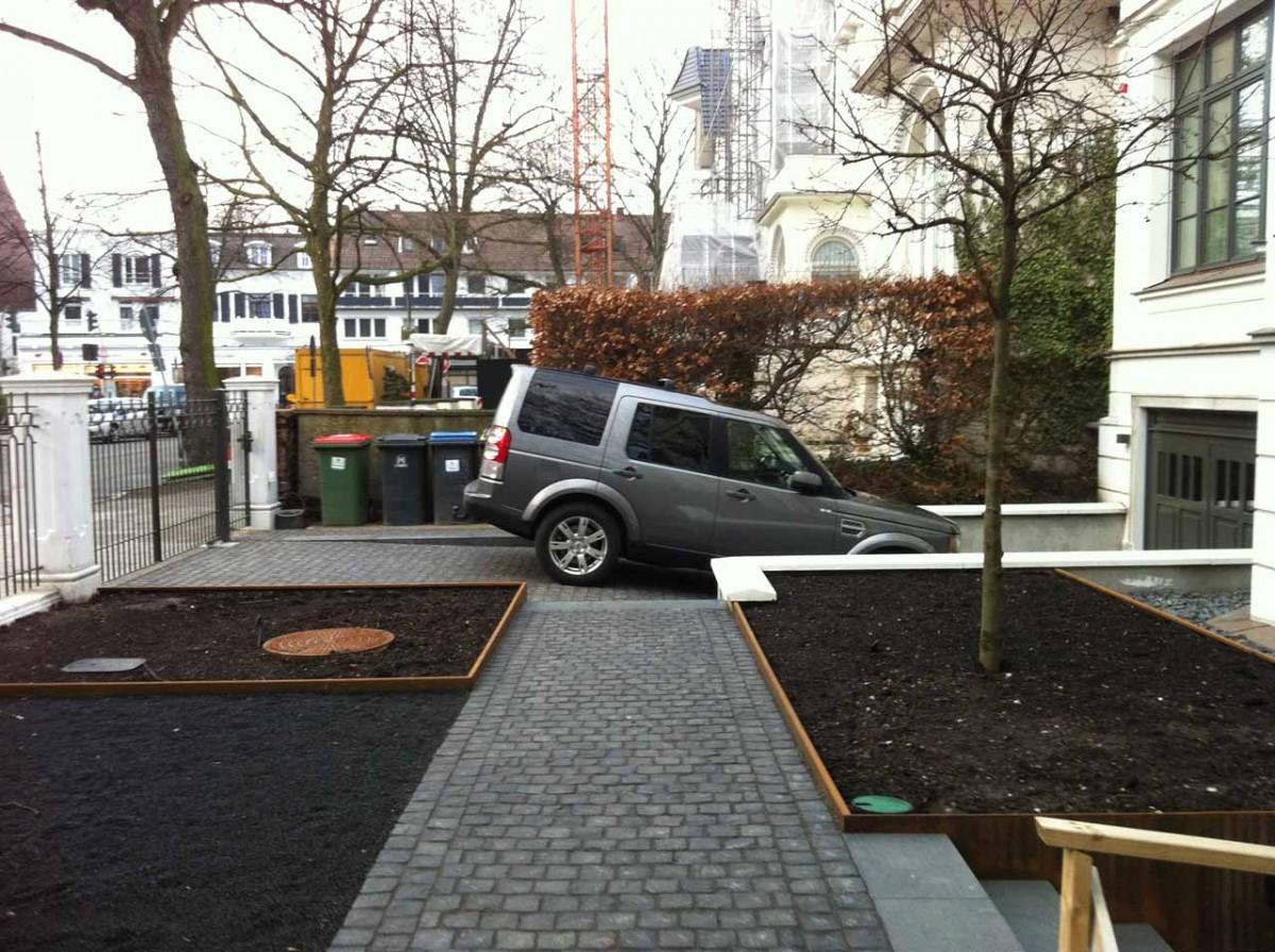 Garten von Ehren Vorgarten C Weg Einfahrt vorher 1200x1200