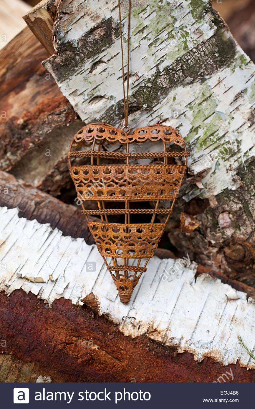 metallherz auf birkenholz EGJ4B6