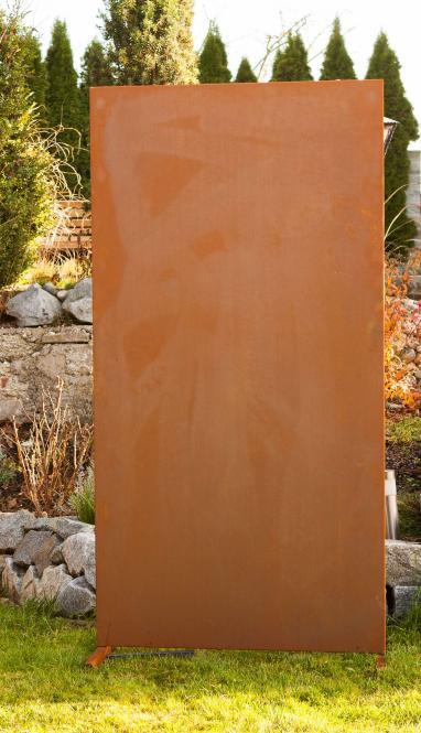 moderne sichtschutz wand blanko garten terrasse metall in rost optik