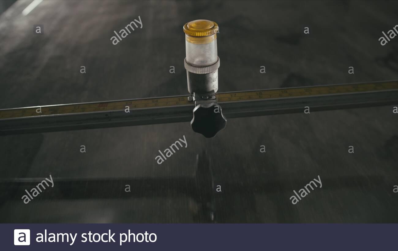 glas schneiden und bearbeiten fur kamin turen runde glas cutter arbeitnehmer mit glas schneiden glas schneiden diamant 2agneak