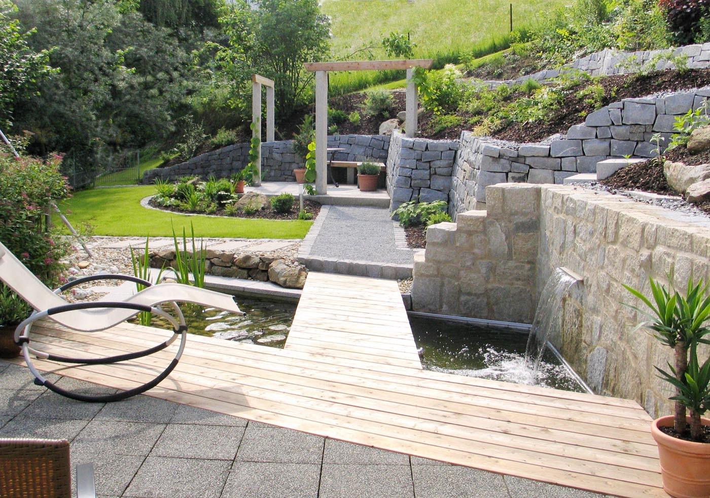 terrassen sitzplaetze holz gartengestaltung gartenbau reischl bayerischer wald wasserbecken terrasse of wasserbecken terrasse