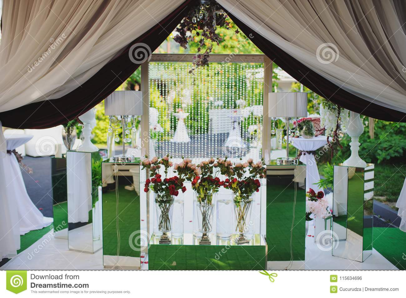 wedding wall photo session decoration outdoor wedding wall photo session decoration outdoor red flowers decoration