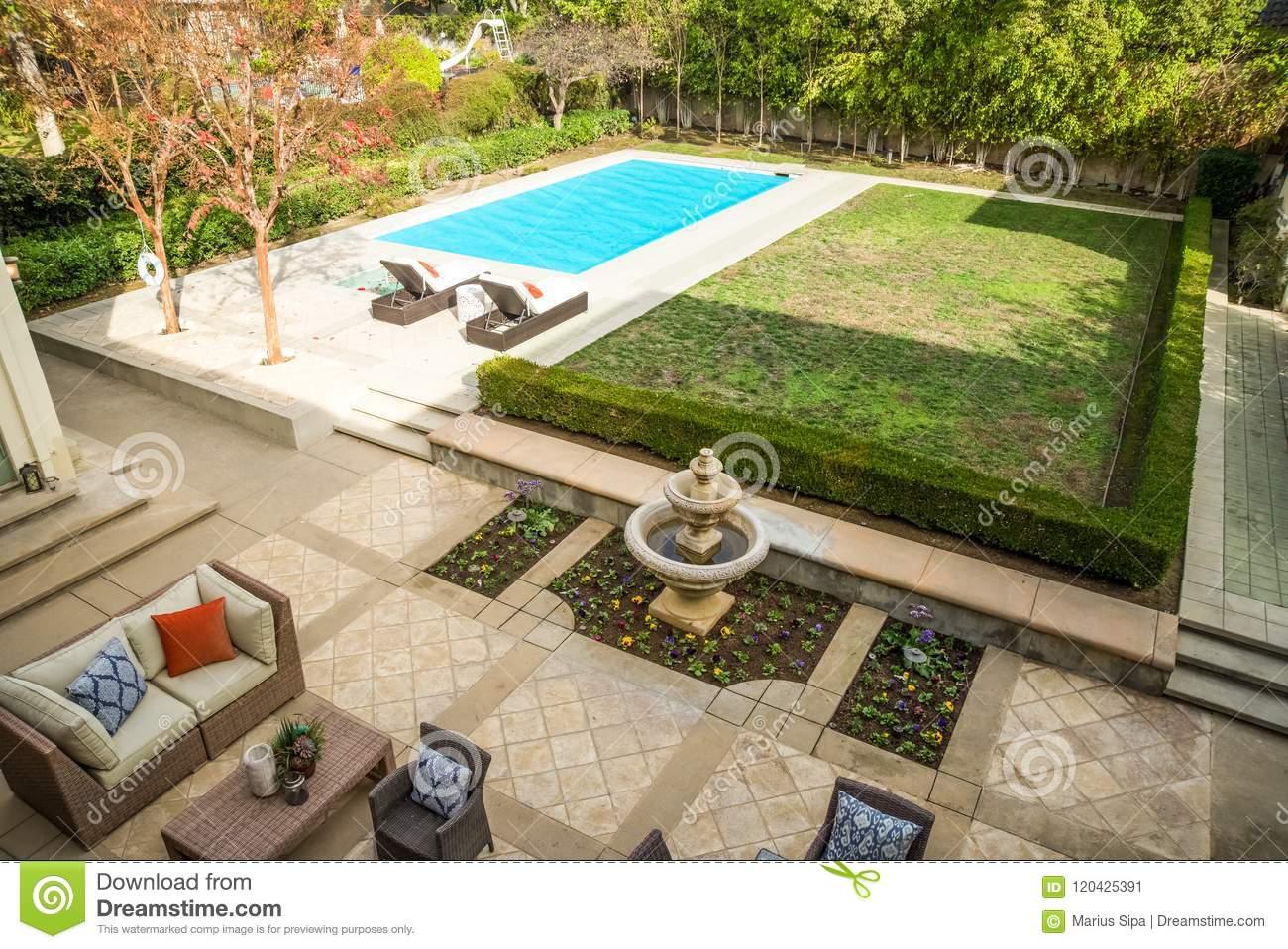 Pool Garten Gestaltung Frisch Mansion Back Lot Stock Image Image Of Modern Design