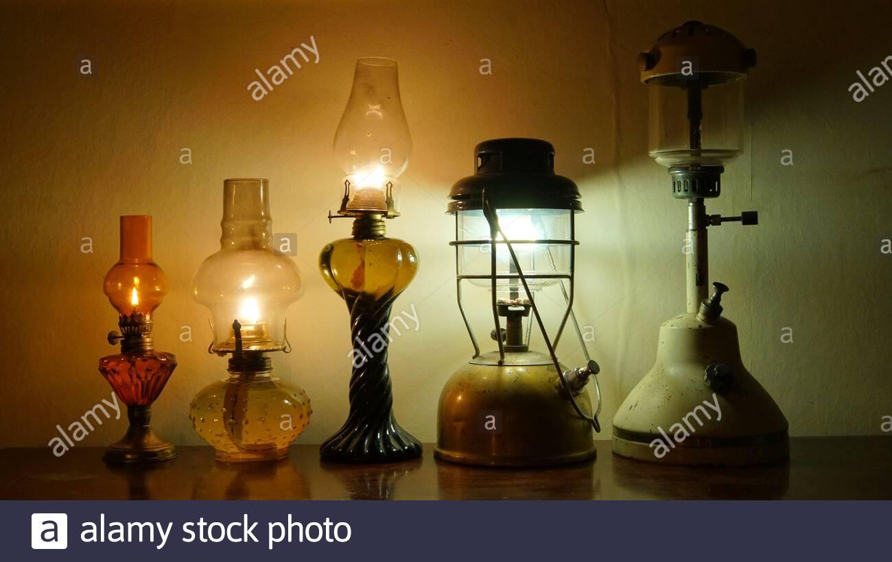 verschiedene paraffinlaternen und lampen 2ar017t
