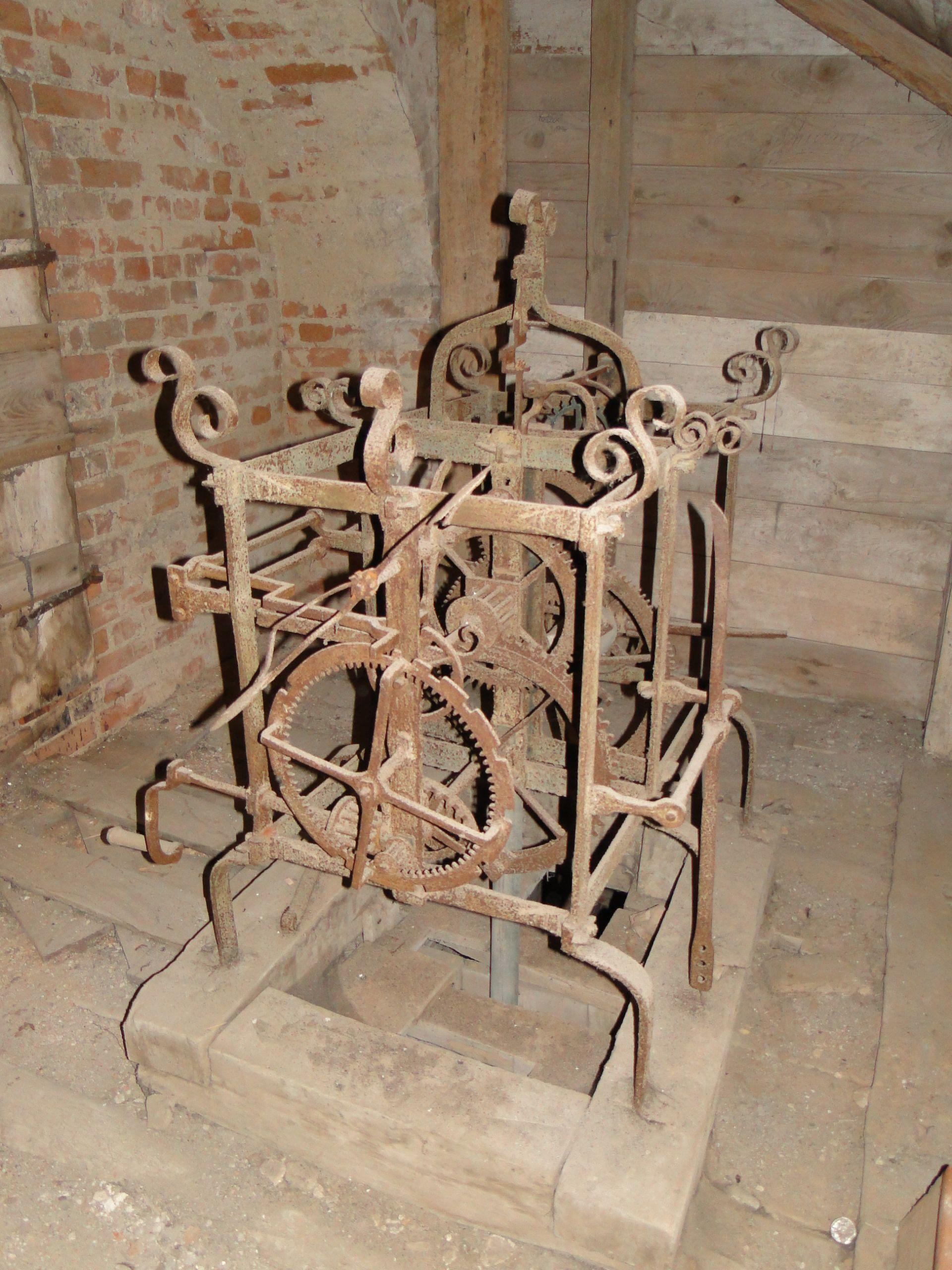 Mestlin Kirche Turm Uhrwerk 2012 10 11 089 JPG