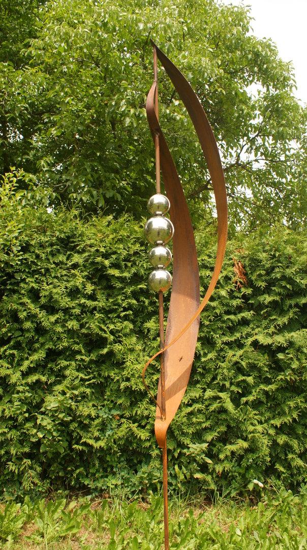 Garten Skulptur Rost mit 4 Edelstahlkugeln