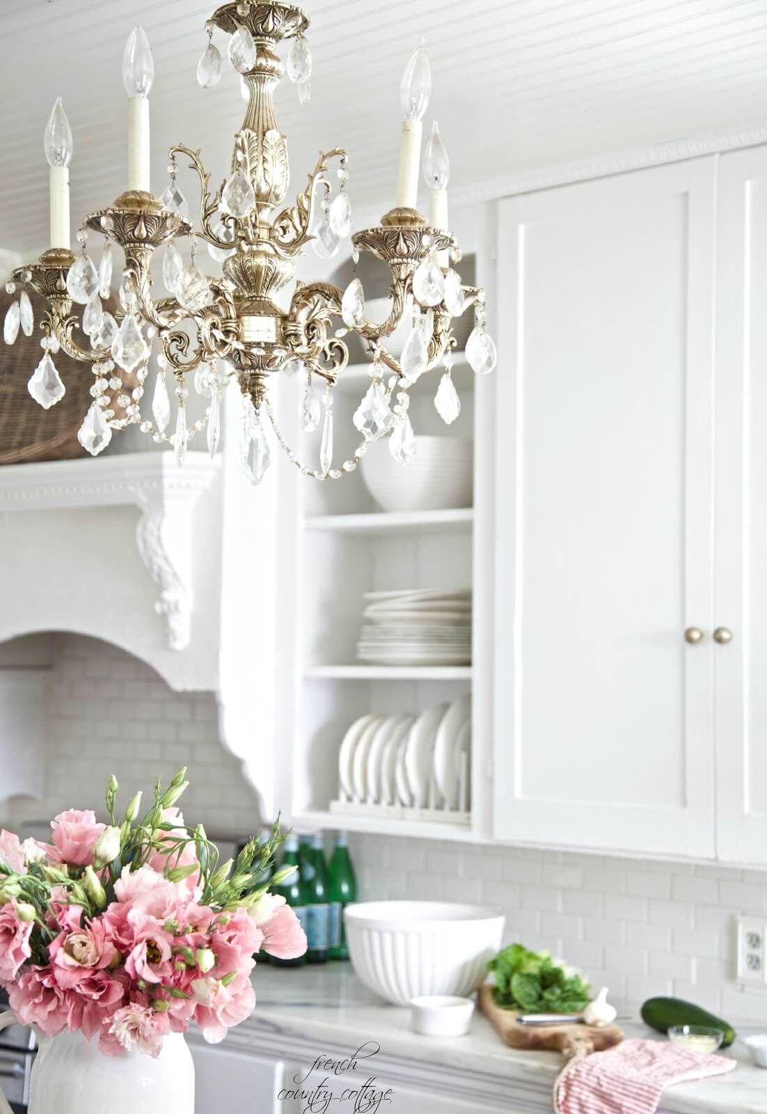 Shabby Gartendeko Einzigartig Silver and Crystal Chandelier with Wooden Cabinets