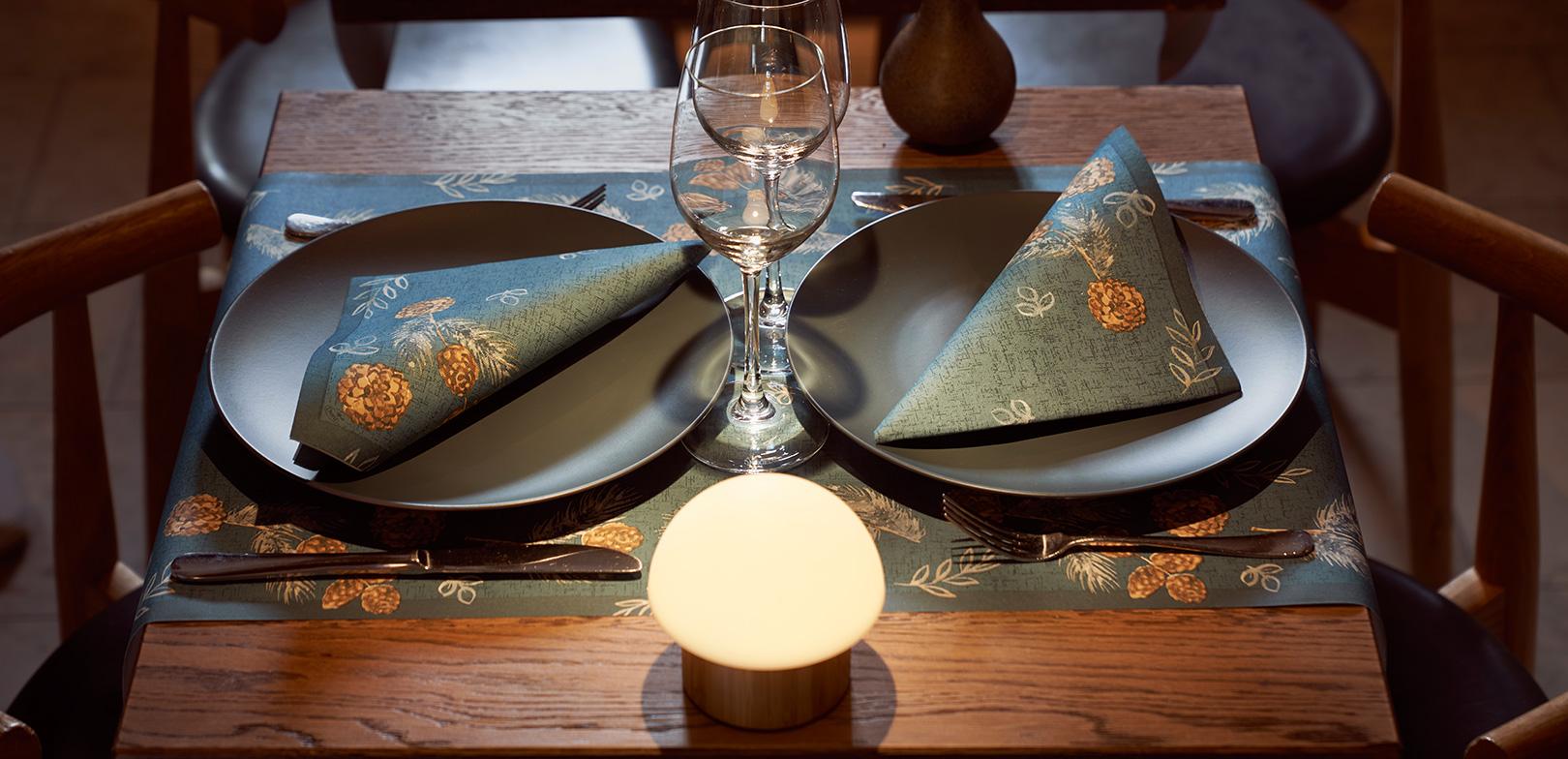 Tischdekoration Pine Cones
