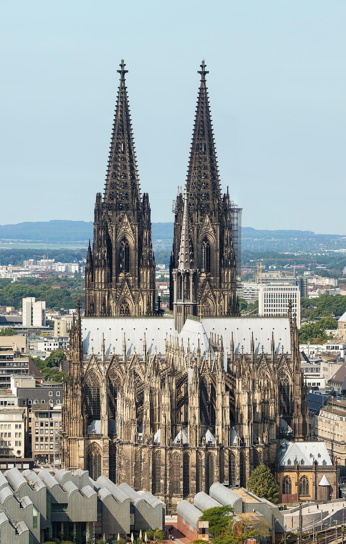 1200px Kölner Dom von Osten