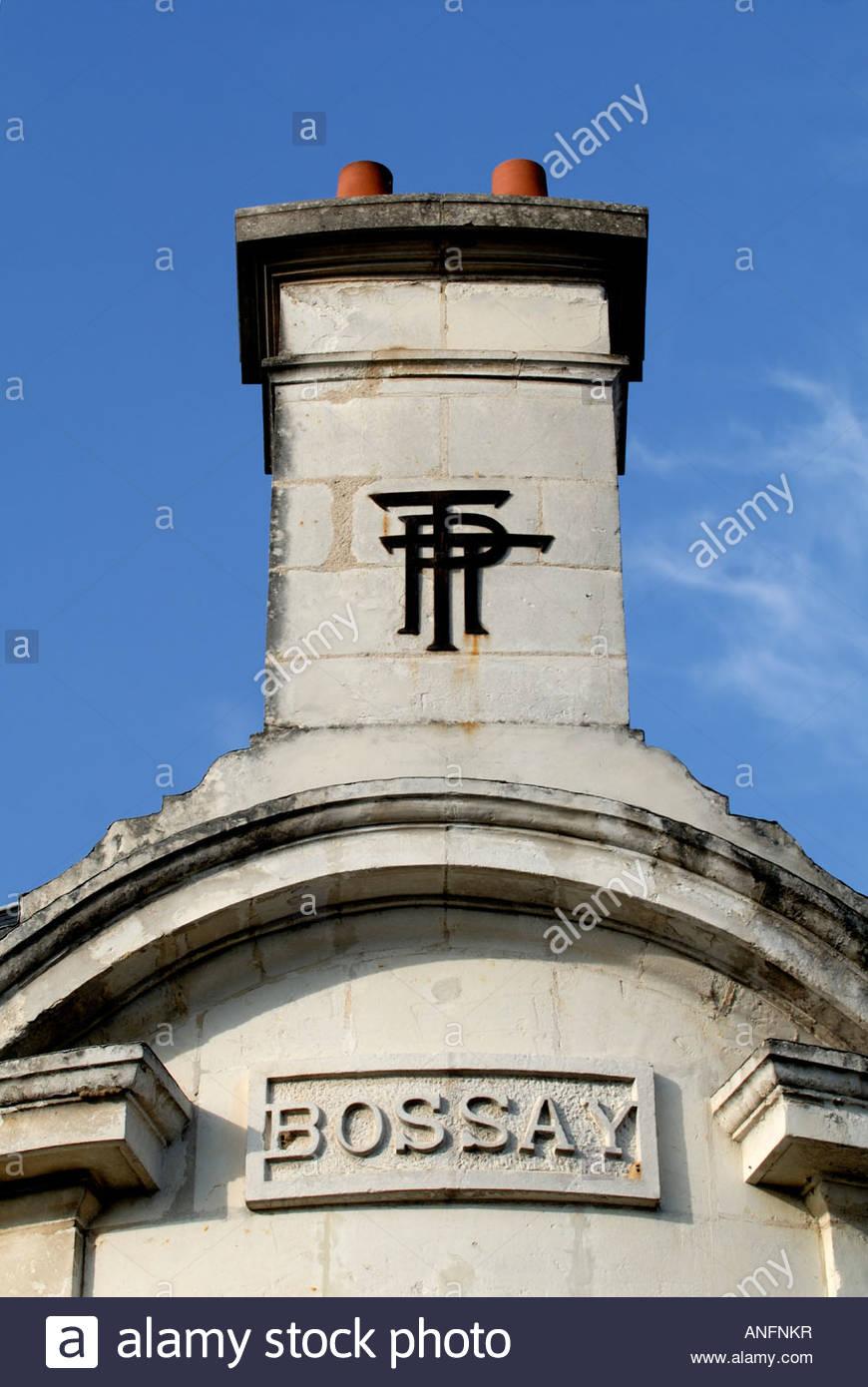 ptt buchstaben dekoration postamt schornstein bossay sur claise frankreich anfnkr