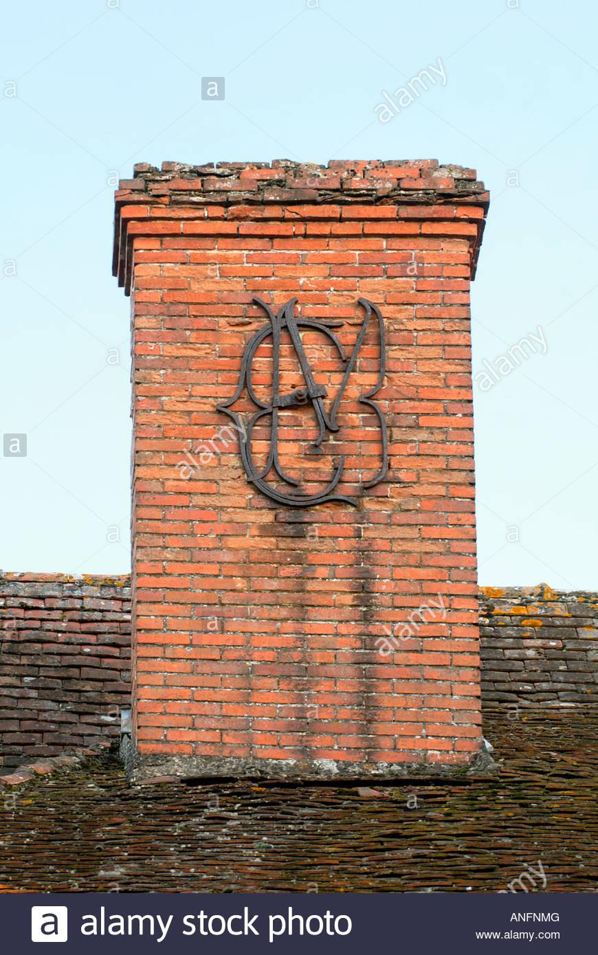 em oder me buchstaben dekoration schornstein indre et loire frankreich anfnmg