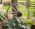 Wagenrad Deko Garten Inspirierend Country Garden Love the Wagon Wheel and Country Fence