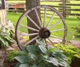 Wagenrad Deko Schön Country Garden Love the Wagon Wheel and Country Fence