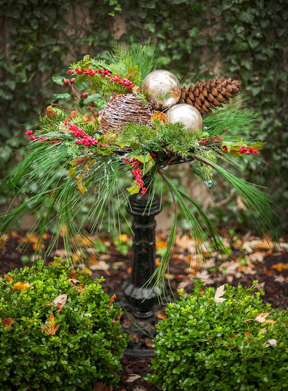 dekoideen mit naturmaterial mit winterdeko garten schone dekoideen mit naturmaterialien fur 31 und winterdeko garten tannengru cc 88n beeren holzkugel und goldene christbaumkugeln und tannenzapfen im