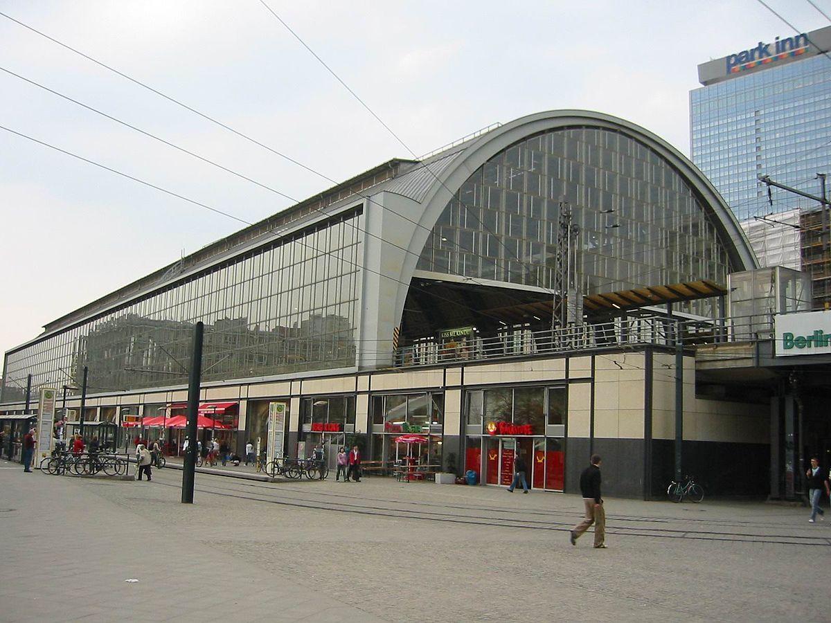 1200px Bahnhof Berlin Alexanderplatz