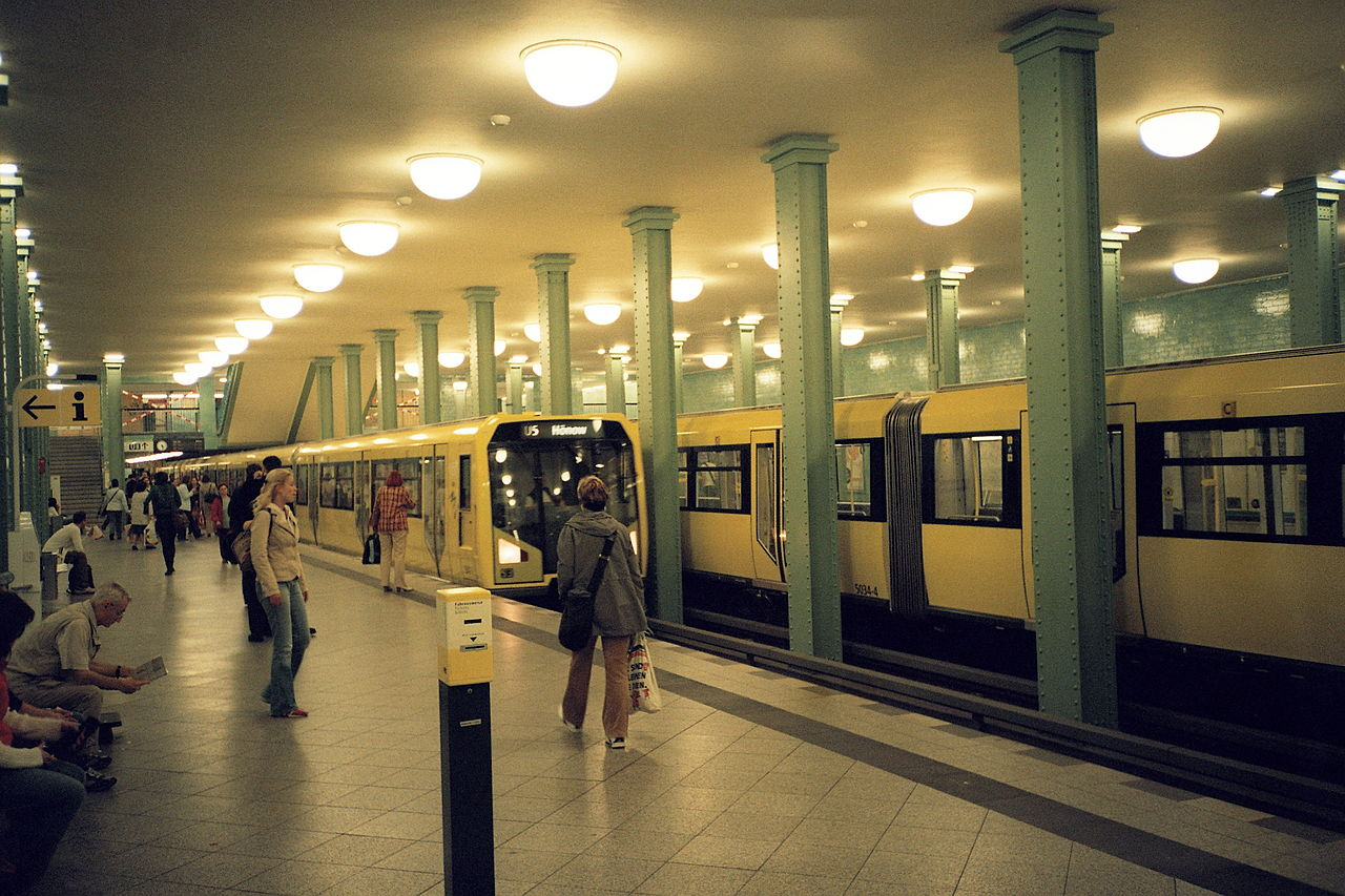 1280px U Bahnhof Alexanderplatz