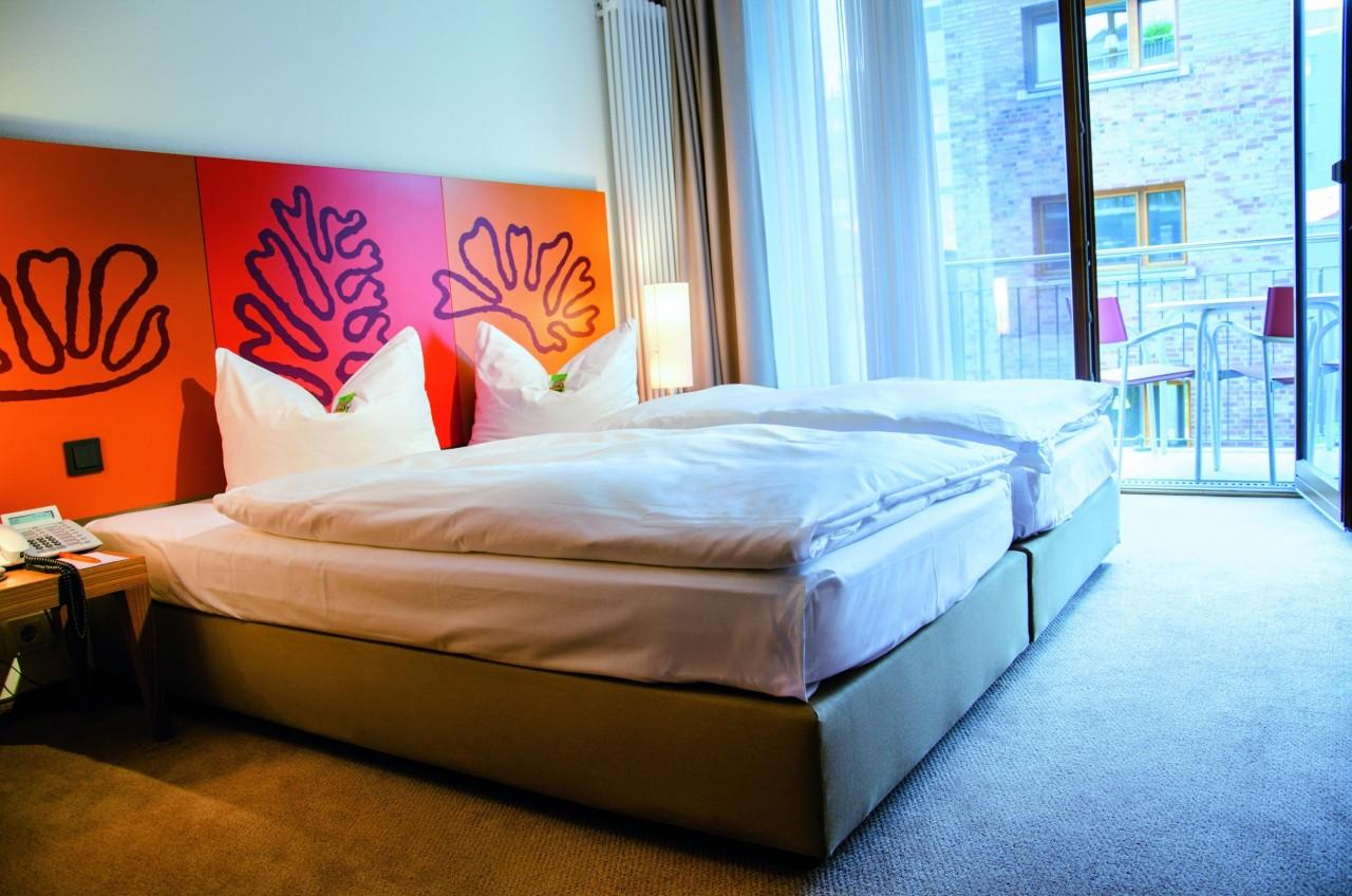 Begardenhof Koeln Zimmer mit Balkon 1 1280x1280