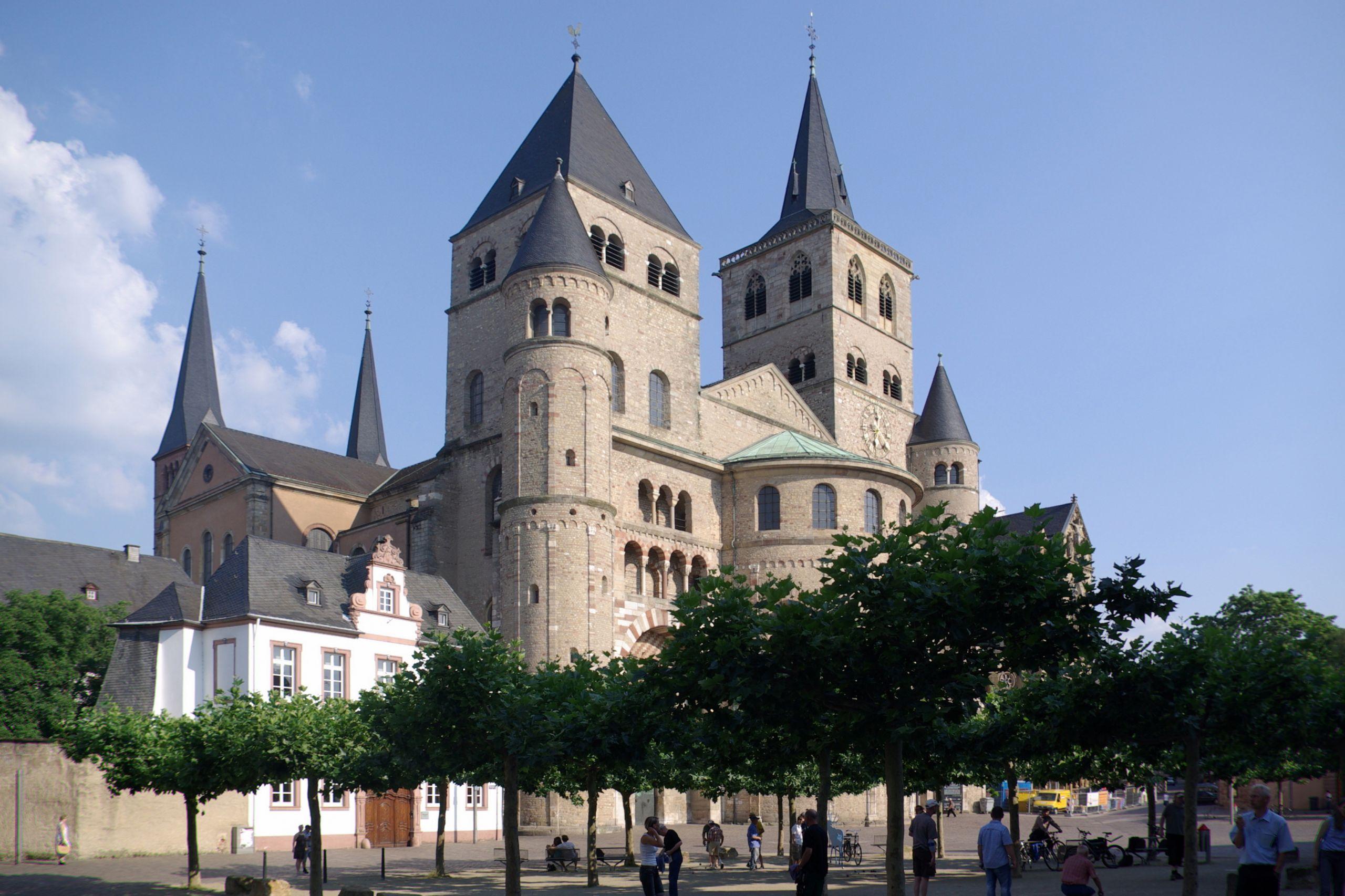 Trier Dom BW 1 JPG