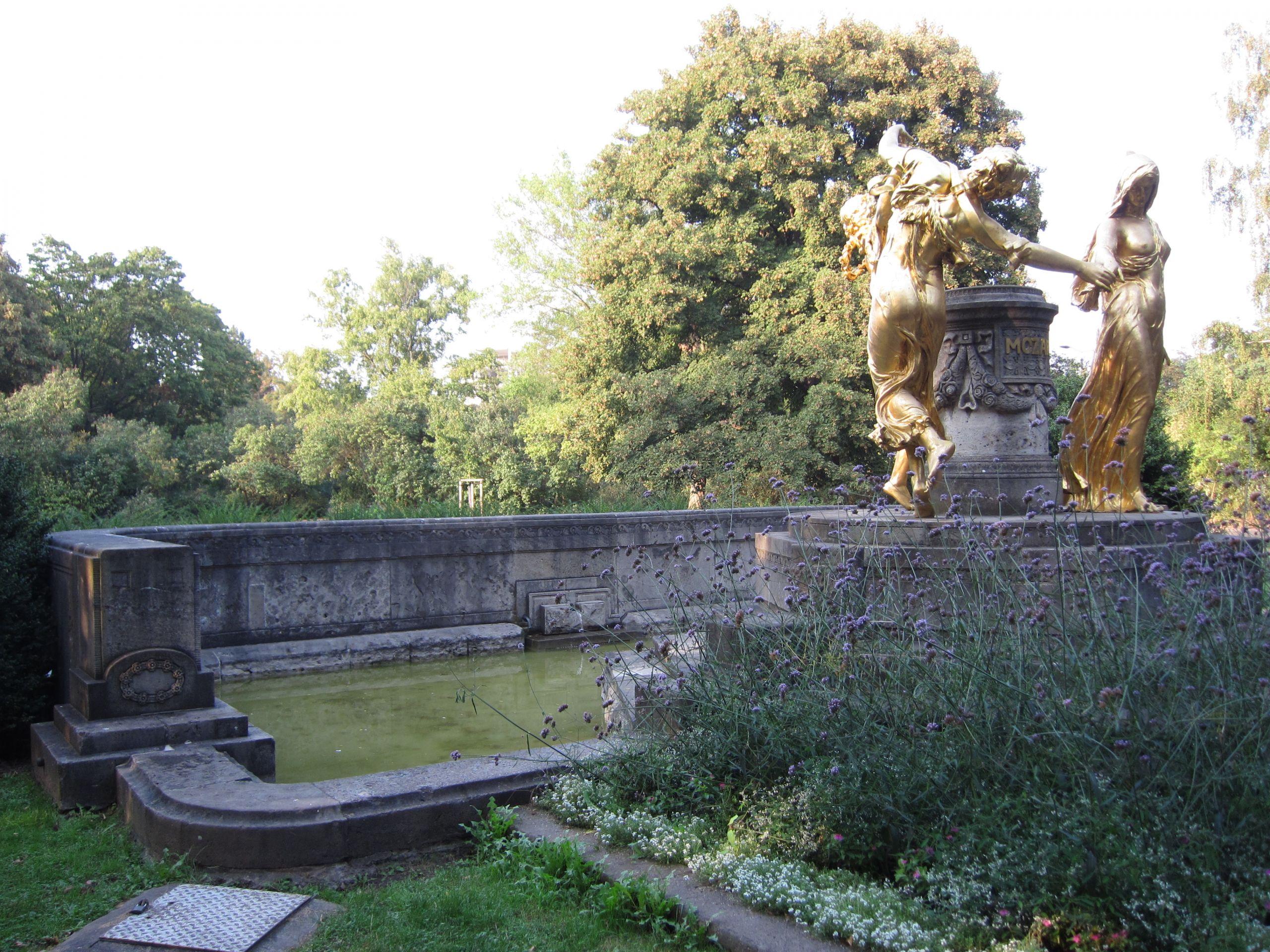 Mozartbrunnen Dresden 26