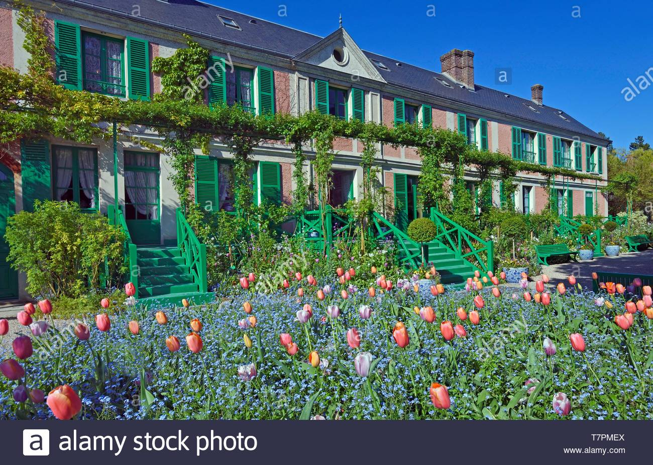 france eure giverny claude monet foundation claude monets house and the clos normand gardens T7PMEX