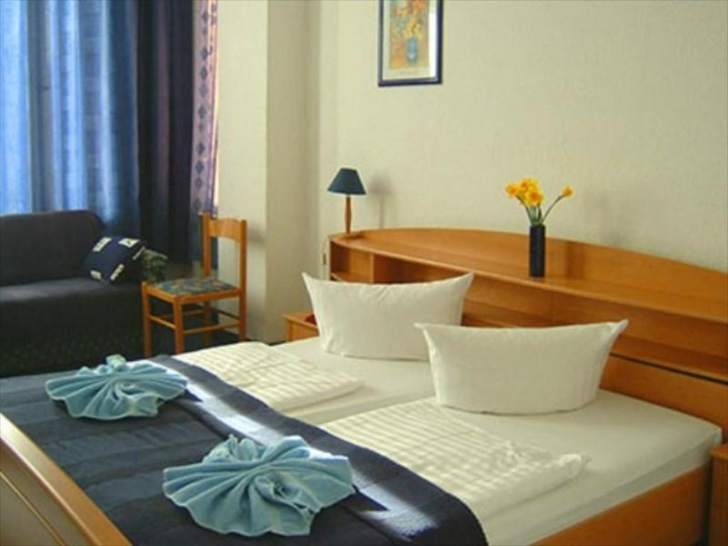 Englischer Garten Berlin Genial City Pension Berlin Guesthouse Bed and Breakfast Deals