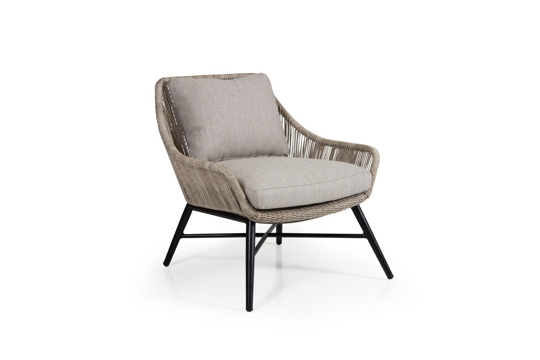 4051 8 21 02 Pembroke armchair screen