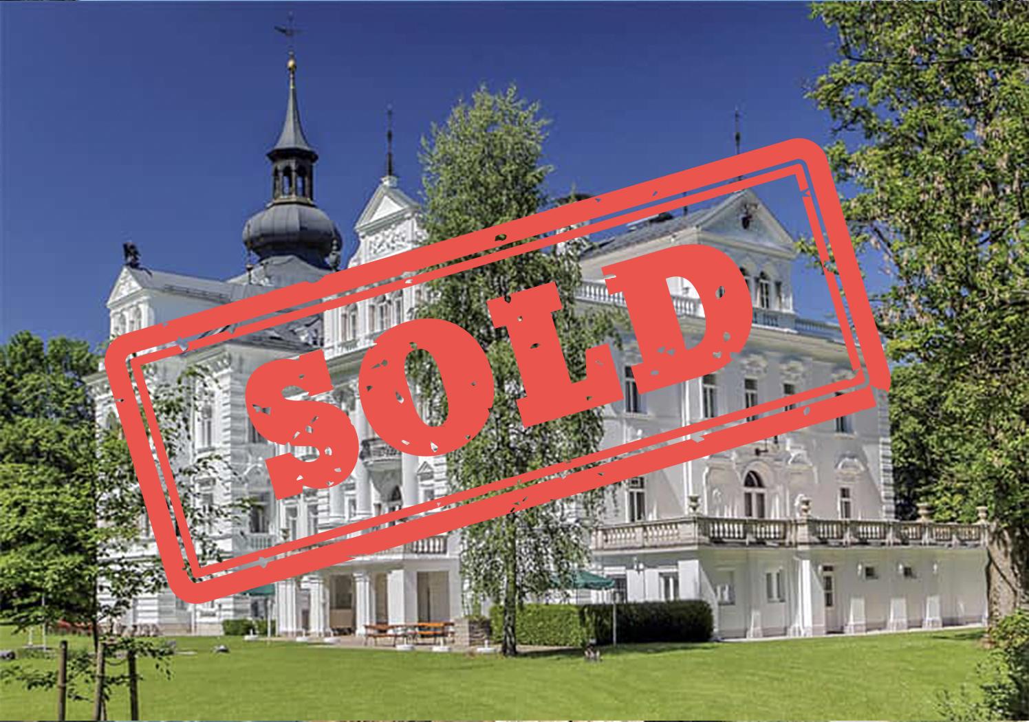 Giesinger Garten Einzigartig for Sale Dream Castle In Excellent Condition